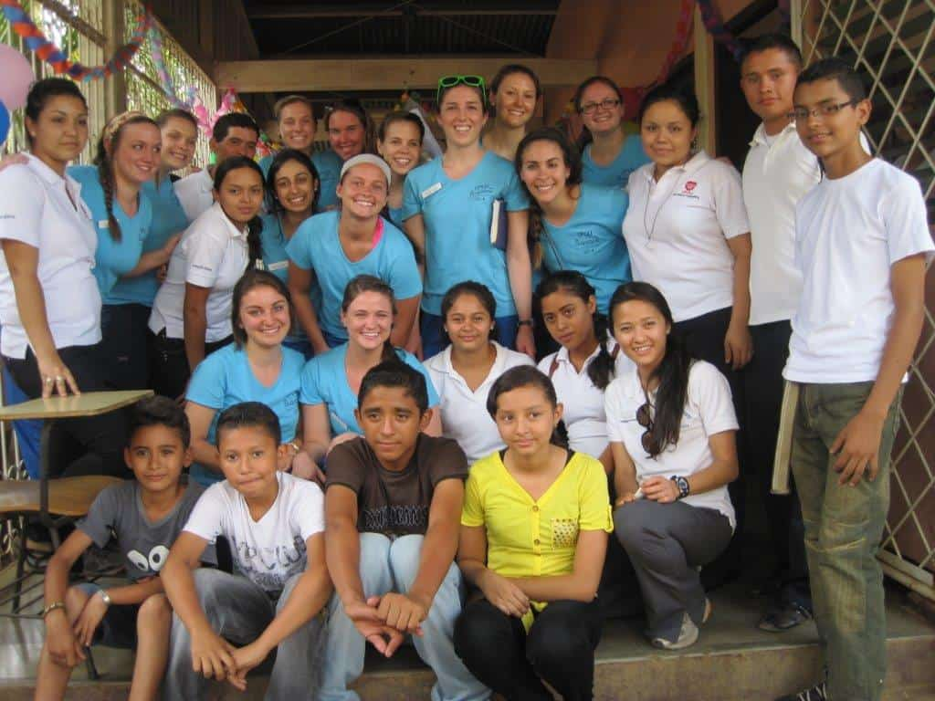 Group of DUSON students, UPOLI students and community health promotors - Barrio Villa Libertad.